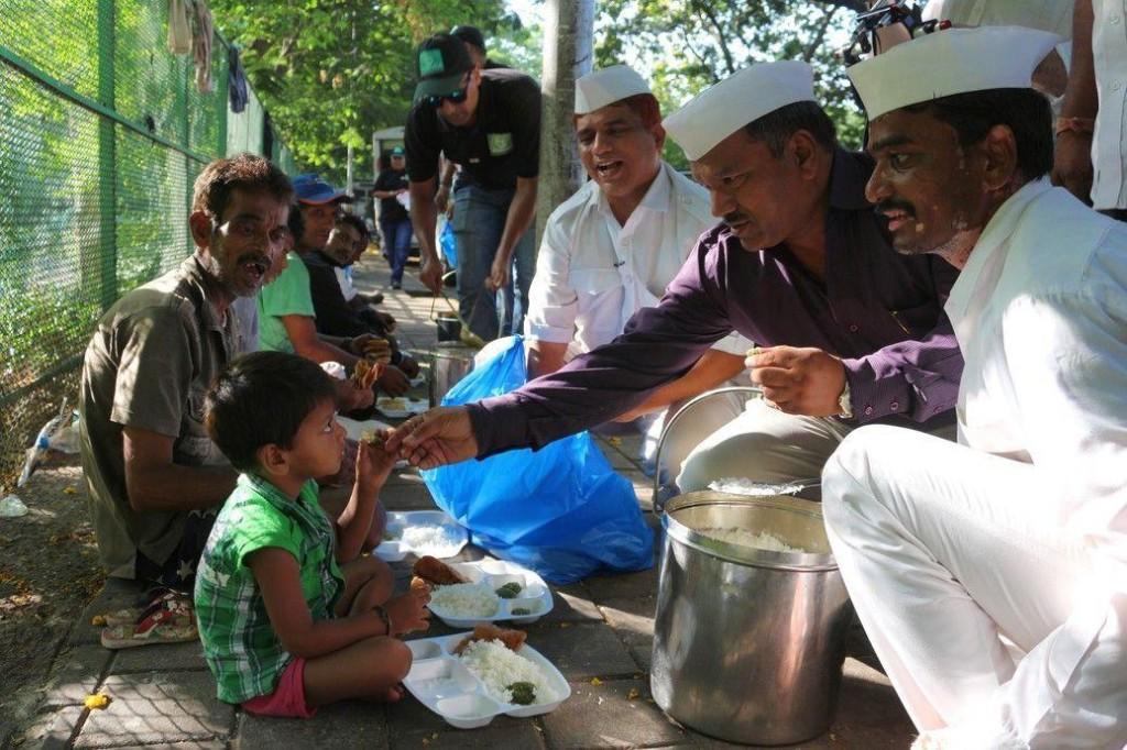 Feeding the Poor. Photo Credit: Roti Bank