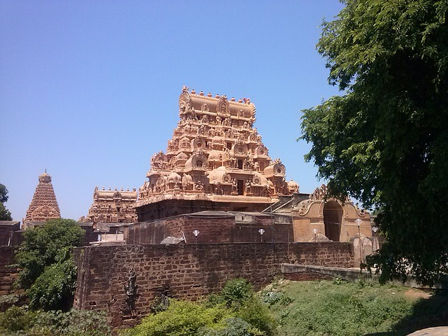 brihadeeswara-temple-989323_640
